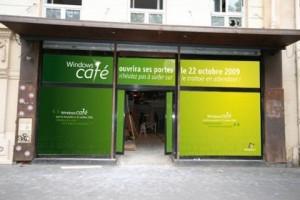 Devanture Café Windows à Paris