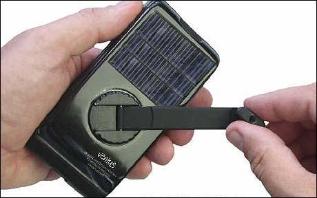 Ce GSM qui ne demande aucune prise pour être recharger, est conçu pour le marché africain et asiatique, où le réseau électrique est souvent peu développé
