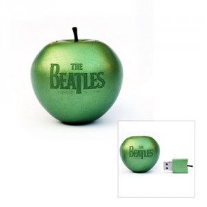 Les Beatles remastered en clé USB verte