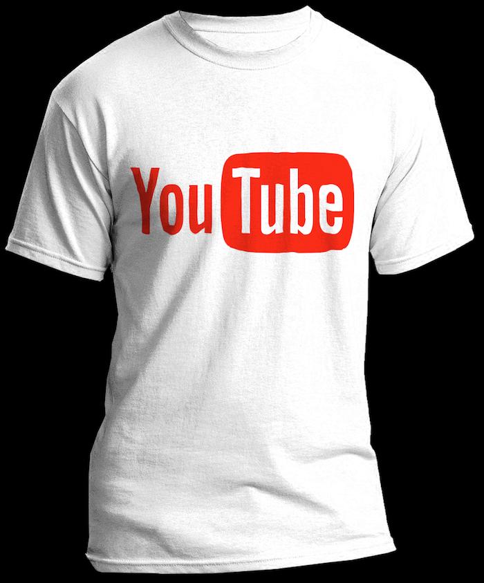 incrustation de logo réaliste sur un t shirt