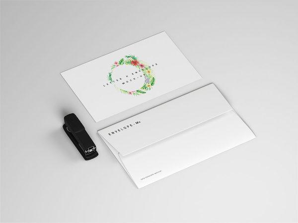 Mockup logo enveloppe