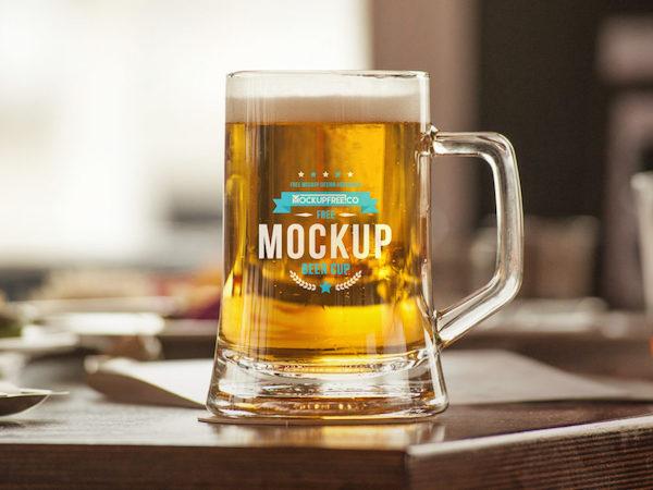 Mockup logo verre de bierre