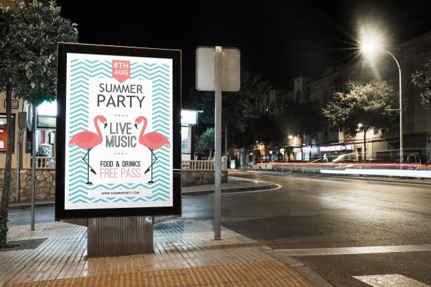 Poster dans la rue