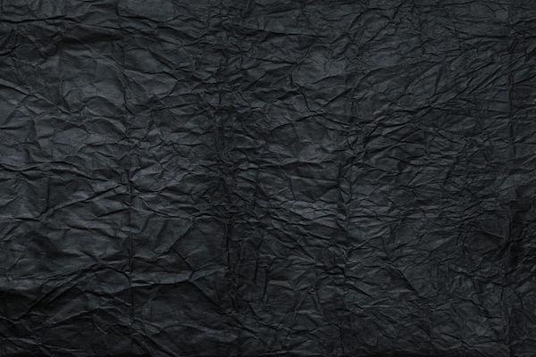 Papier froissé noir