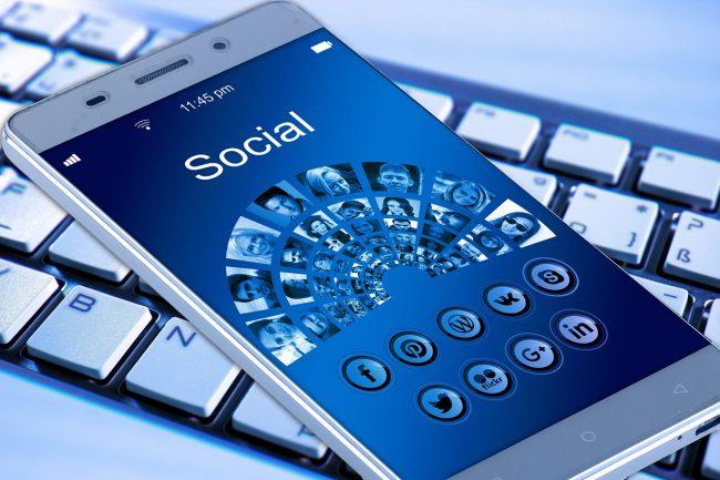 réseaux social communauté engagement social media Facebook,twitter