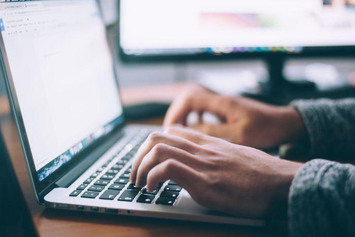 emploi à l'étranger traduction CV anglais candidature
