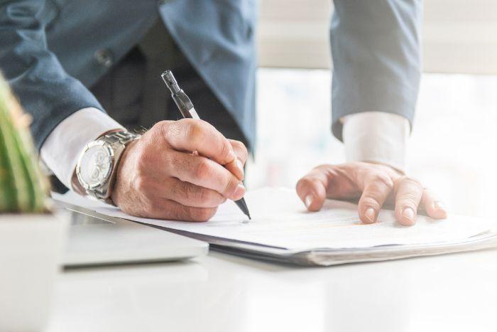 statuts de l'entreprise rédaction et signature
