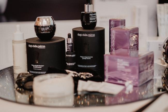 packaging de cosmétique cosmetic vente graphiste freelance parfums
